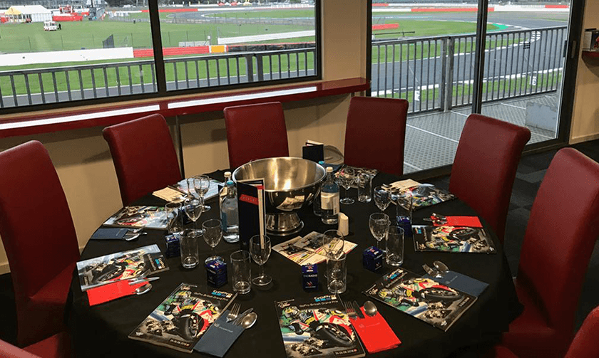 Table awaiting f1 hospitality guests